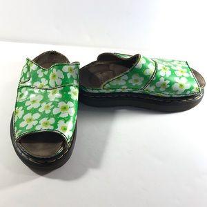 Dr. Martins green flower sandals sz 6 for repair